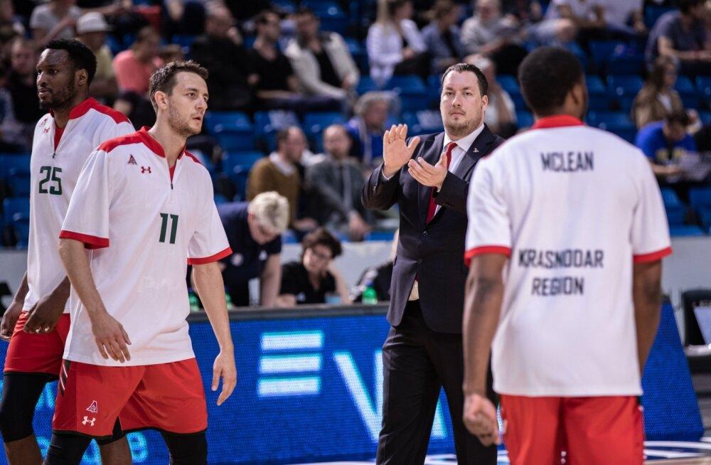 Eduard Raud õpib treeneri ametit Venemaa tippklubis. Kas tema teed ristuvad kunagi ka Eesti korvpalliga?