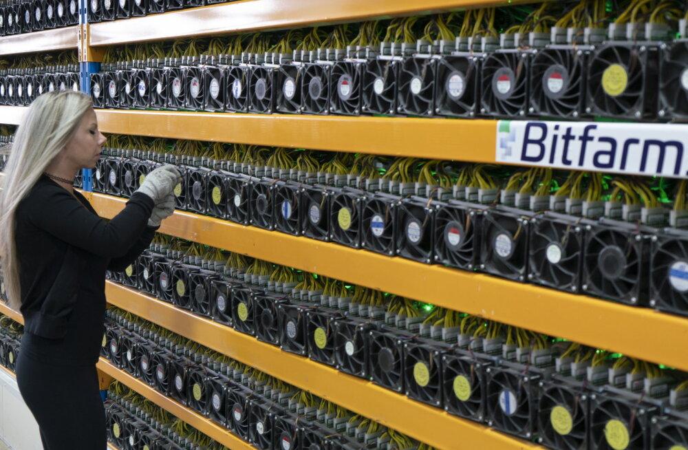 Bitcoini hind kukkus järsult, kuid viskleb nüüd päeva põhjast kõrgemal