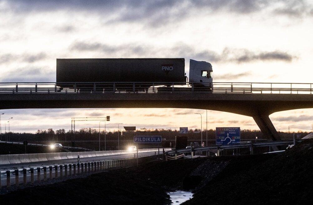 Raskeveokid Põrguvälja liiklussõlmes