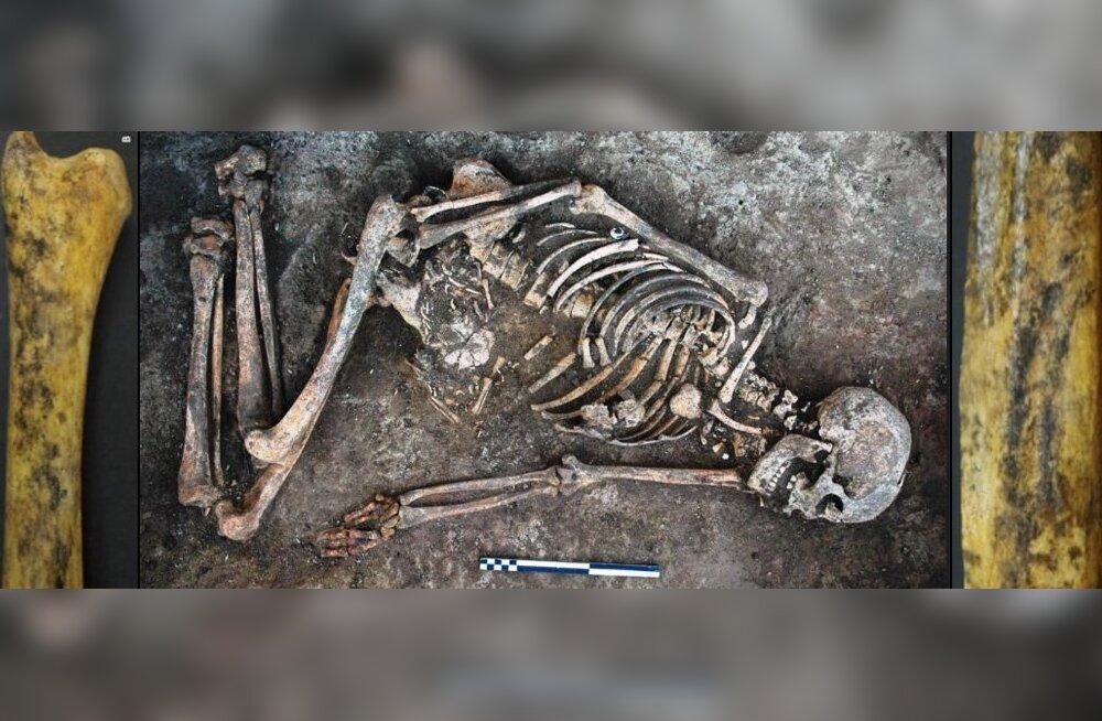 Ainulaadne juhtum: Kesk-Ukrainas toimunud väljakaevamistelt leiti kummaliselt dekoreeritud luudega naine