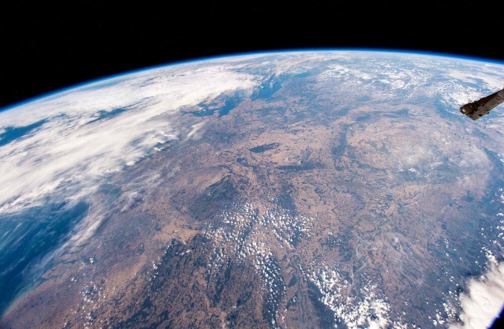 Kas tõesti kosmoserelv? USA esindaja kurtis Genfis muret veidralt käituva Vene satelliidi üle