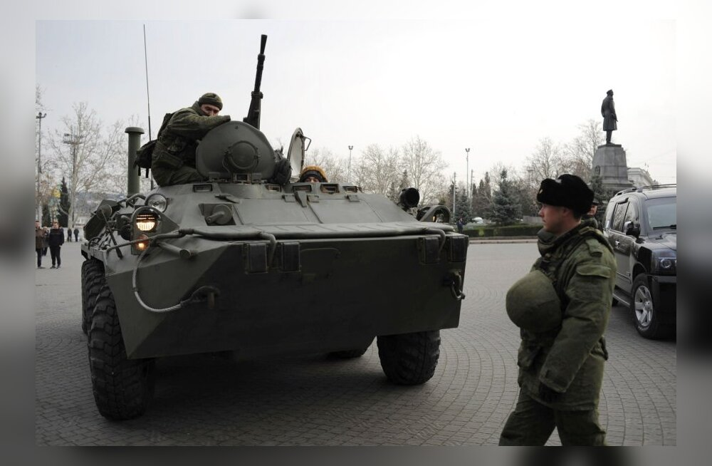 Vene soomuk Sevastoopolis 25. veebruaril 2014