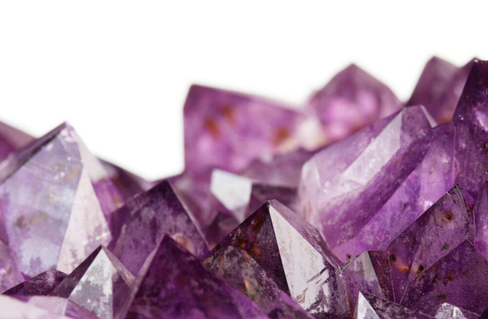 Kuidas kristalle puhastada ja uue energiaga laadida