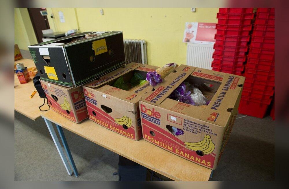 Toidupank kogub jõulukuiste toiduabipakkide jaoks kaupa