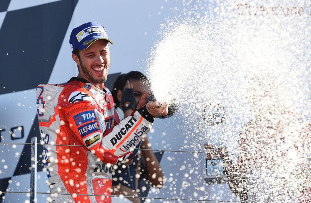 Andrea Dovizioso mullu Silverstone`is võitjana