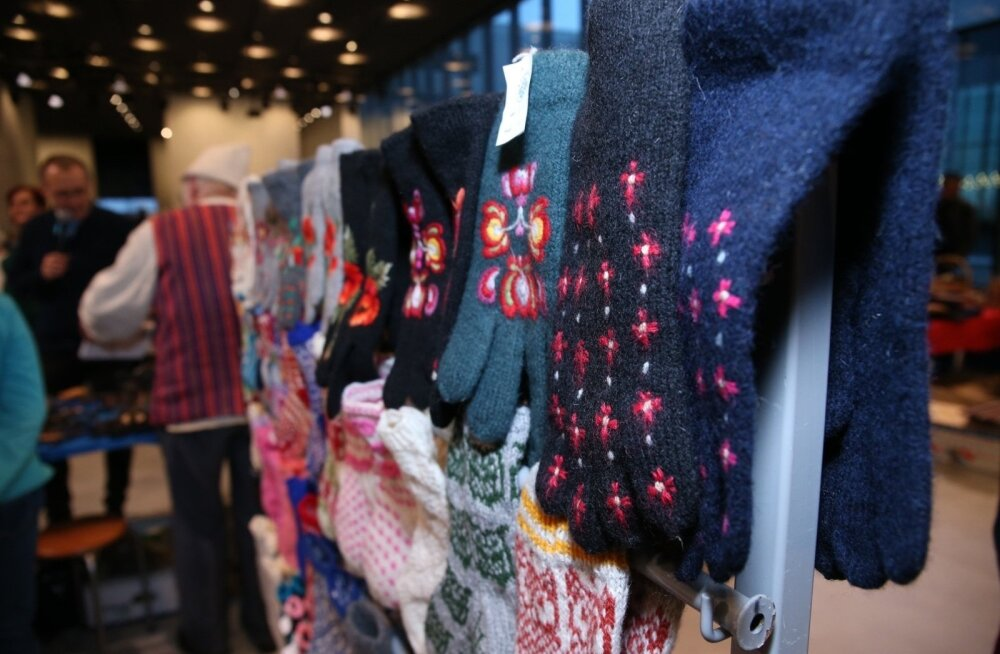 ФОТО: Рождественская ярмарка в Тарту предлагает изделия с национальным колоритом