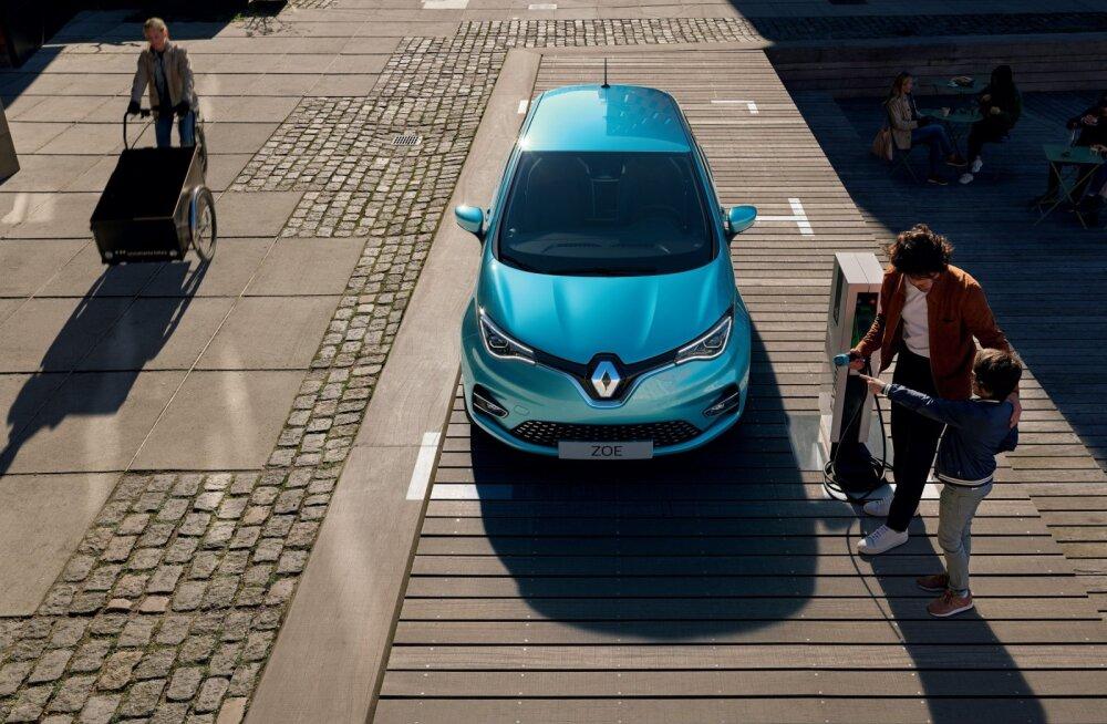 Tesla loovutab Euroopas positsioone: mais astus Renault Zoe Model 3 kandadele