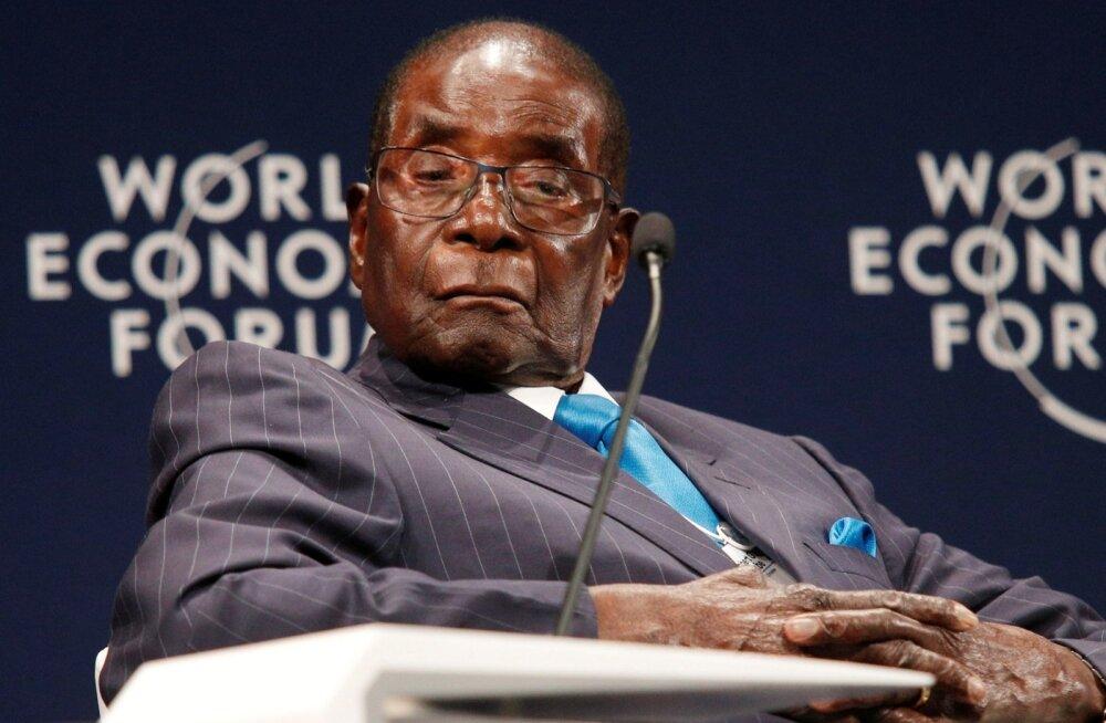 Pressiesindaja: Zimbabwe 93-aastane president ei maga avalikel üritustel, vaid puhkab silmi