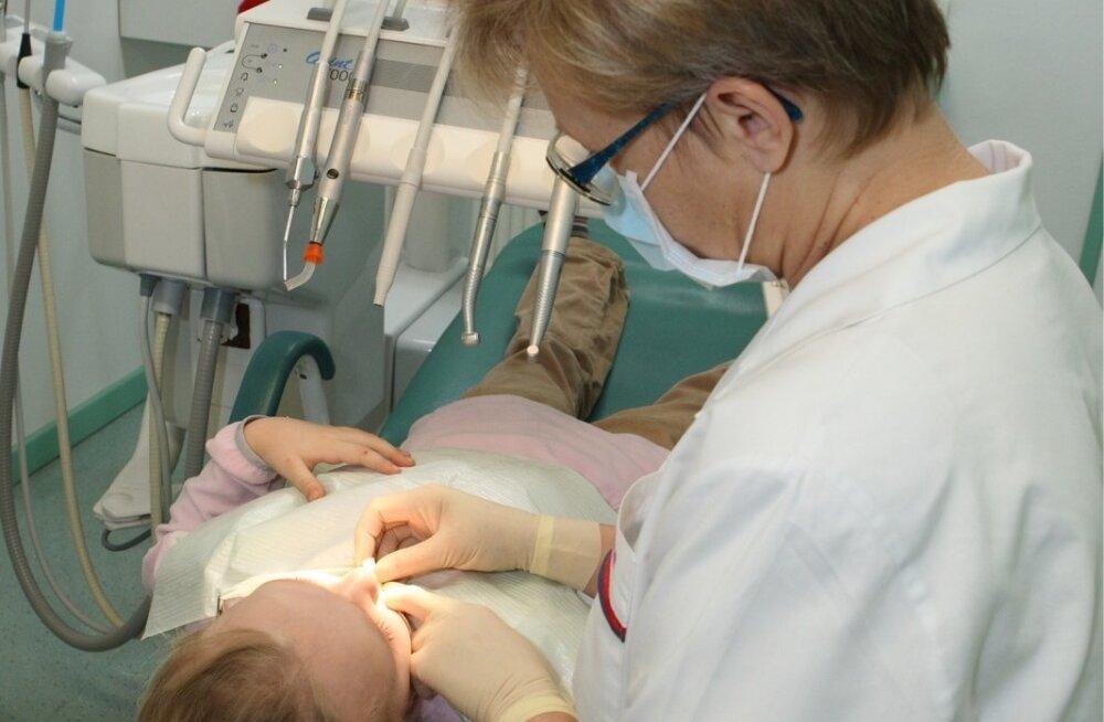 Kindlasti tasub tervete hammaste nimel vähemalt kord aastas hambaarsti külastada.