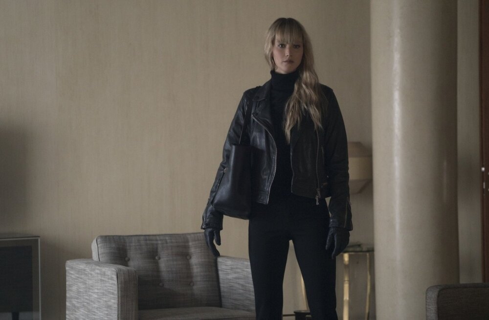 Jennifer Lawrence kehastab kehvasti välja kukkunud filmis endist baleriini, kellest saab professionaalne võrgutaja ja tapja.