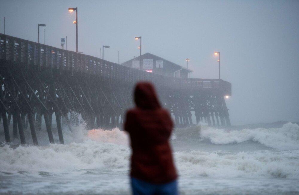 USA Põhja-Carolina osariiki saabus orkaan Isaias