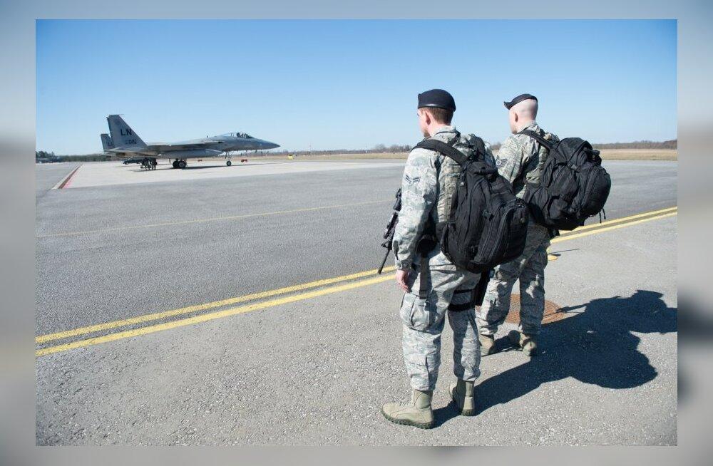 USA F15 hävitajad testivad püüdureid