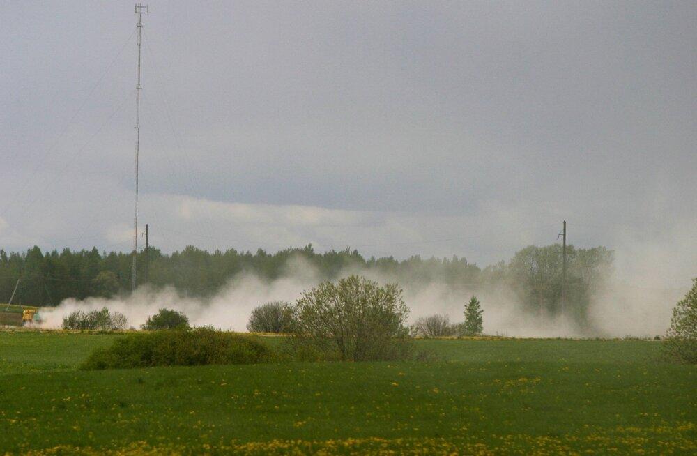 Eestimaa tolmupilved pole küll otseselt eluohtlikud, kuid tekitavad elanikkonnale siiski paksu pahameelt.