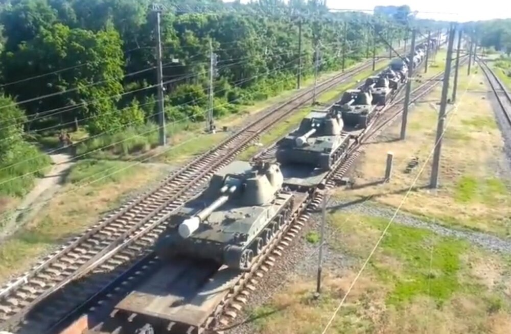 VIDEO: Väidetav Putini surmarong viib sõjatehnikat Ukraina piirile