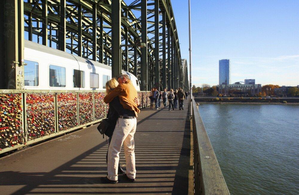Ära lõpeta oma reisi arestikambris: üheksa kõige jaburamat seadust, mida välismaal ringi rännates kohata võib
