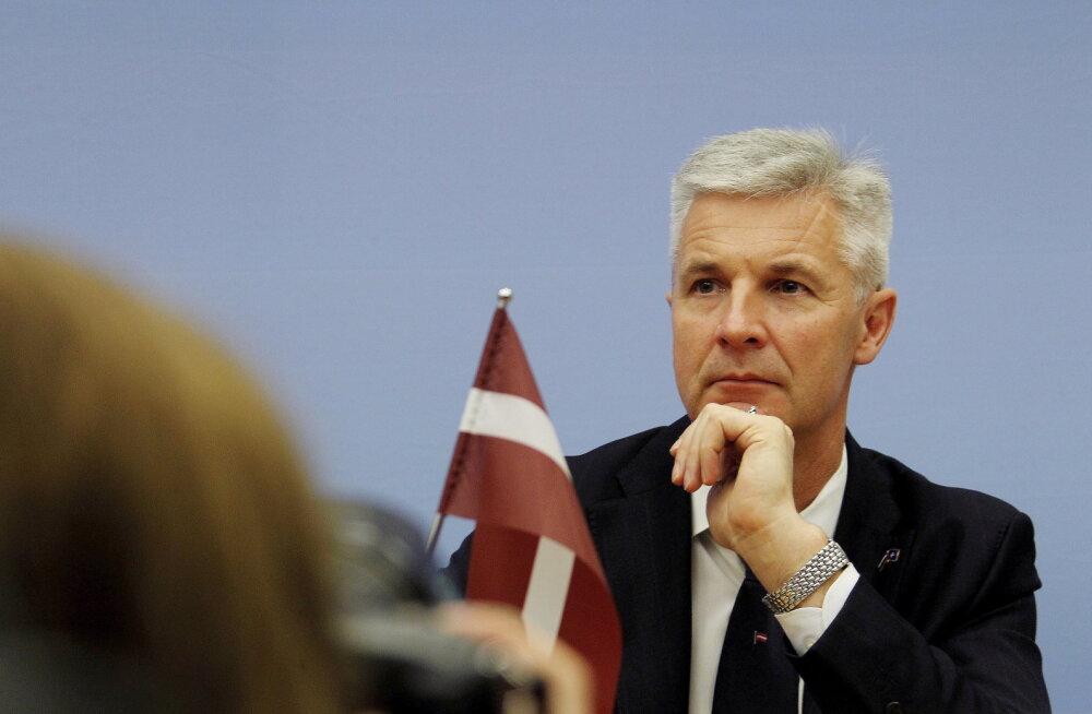 Läti kaitseminister keeldus tervishoiuministri kohuseid täitmast: seda vastutust kandku peaminister ise