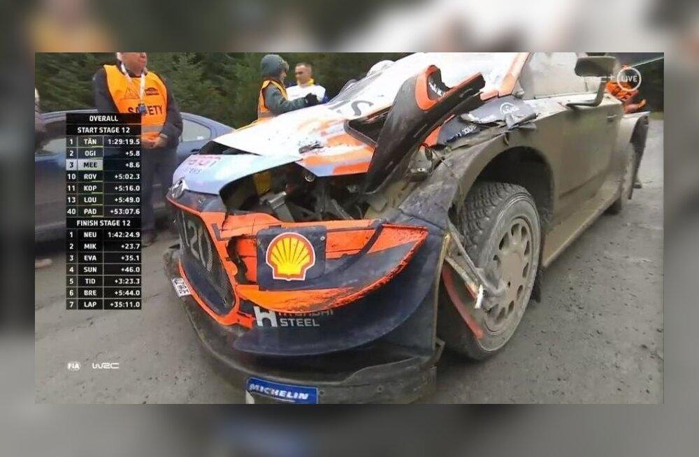Craig Breeni auto pärast avariid.