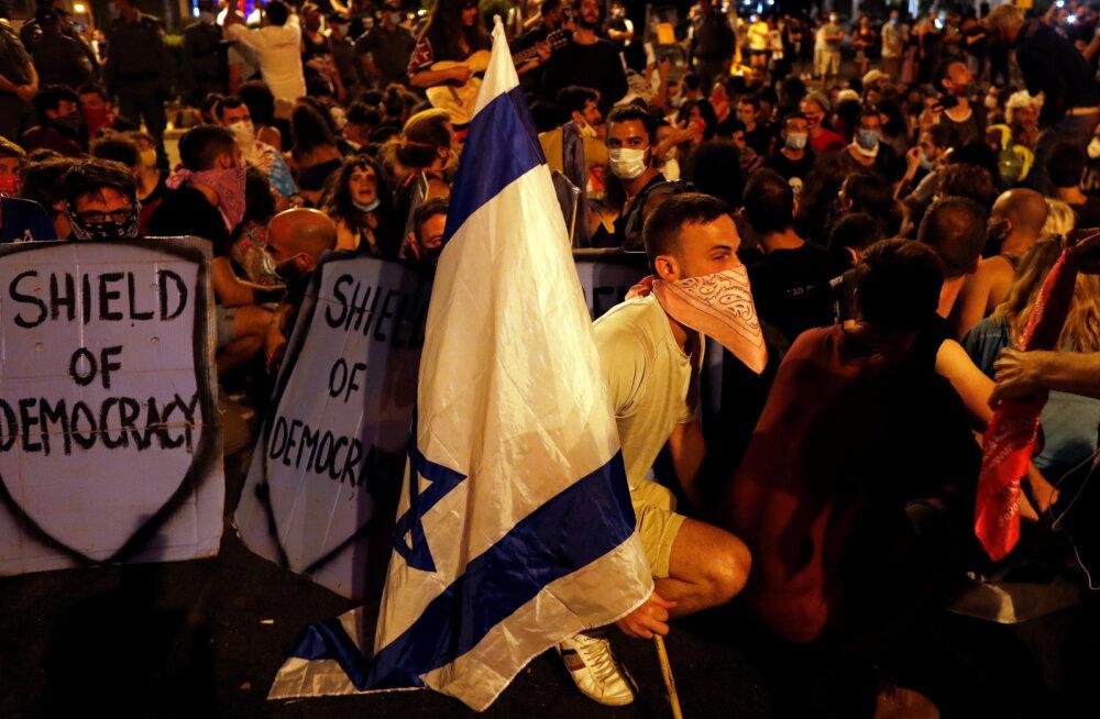 Протесты в Израиле: люди требуют отставки Нетаньяху из-за эпидемии и коррупции