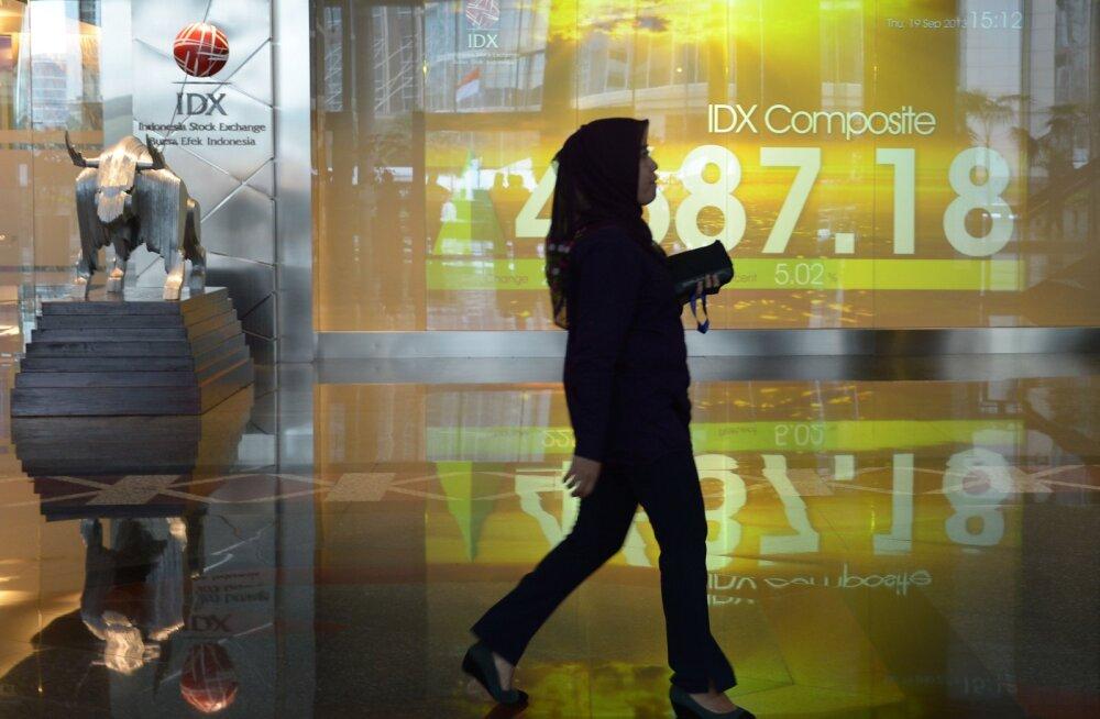 Aasias kukkusid börsid koroonaviiruse piirangute tõttu