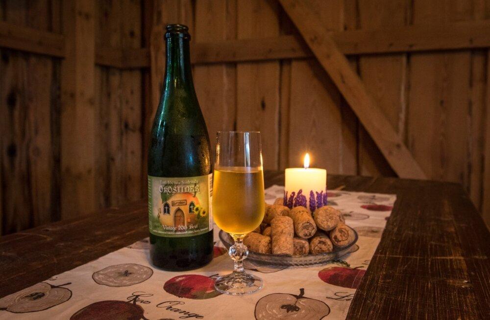 Tori-Jõesuu Siidritalu pakub avatud talude päeval degusteerimiseks oma siidreid.