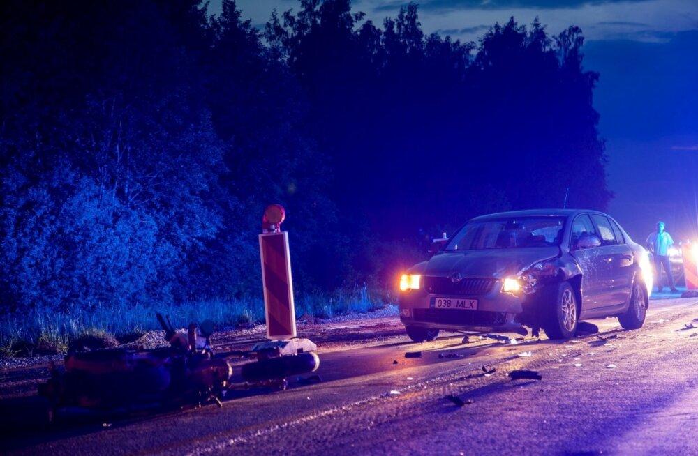Mopeedi ja sõiduauto kokkupõrge Jõgevamaal Põltsamaa vallas Tallinna-Tartu-Võru-Luhamaa maanteel