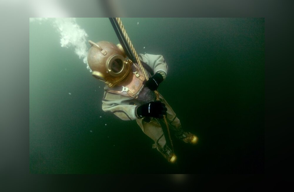 Merejumalale külla – 175 aastat tuukriülikonna leiutamisest