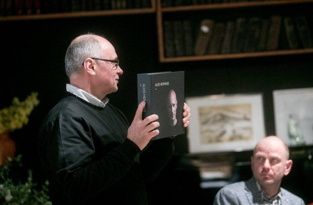 Alvis Hermanise raamatuesitlus Linnateatris