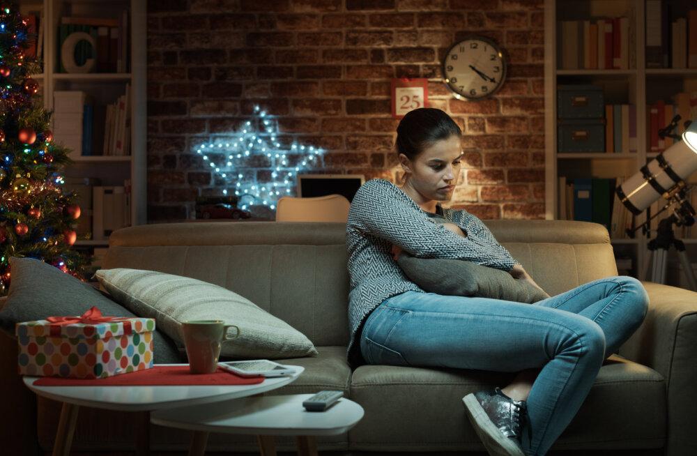 """<span lang=""""ET"""">Naine on raske valiku ees: kas jätta oma pere maha enne või pärast jõule?<o:p></o:p></span>"""