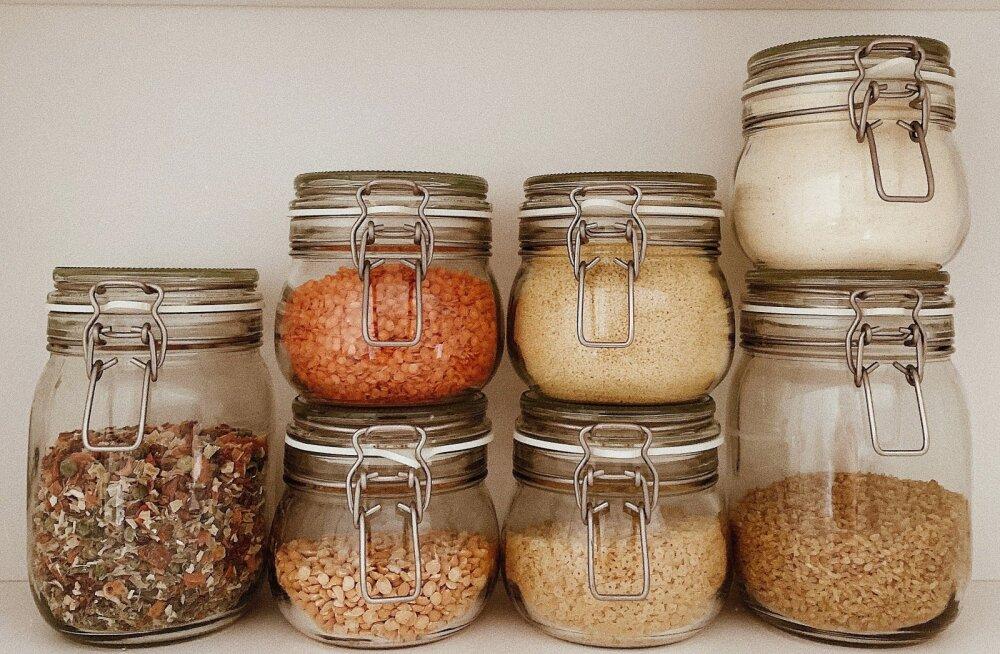 25 toitainet, mis võiksid igal inimesel pidevalt kodus olla, et oleks, millest vajadusel süüa teha