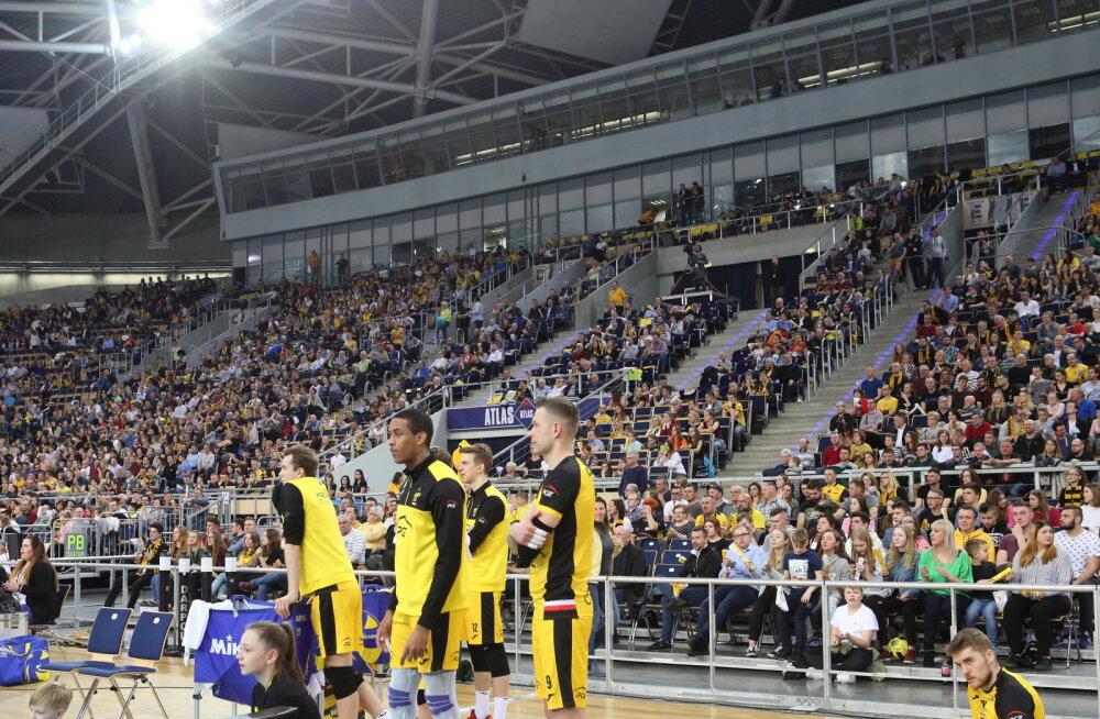 BLOGI | Teppani klubi sai Meistrite liiga poolfinaalis 10 000 silmapaari ees kindla kaotuse. Saaremaa alustas pronksiseeriat võidukalt