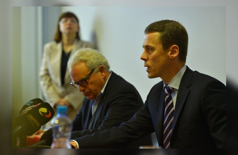 Kes vastutab Estonian Airi allakäigu eest? Milline roll on nõukogul?
