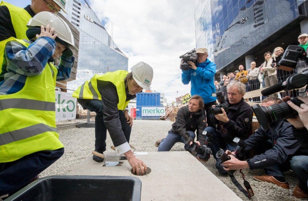 FOTOD: Eesti ärimaailma tipud saabusid Tallinna uue kõrghoone nurgakivi panekut tunnistama