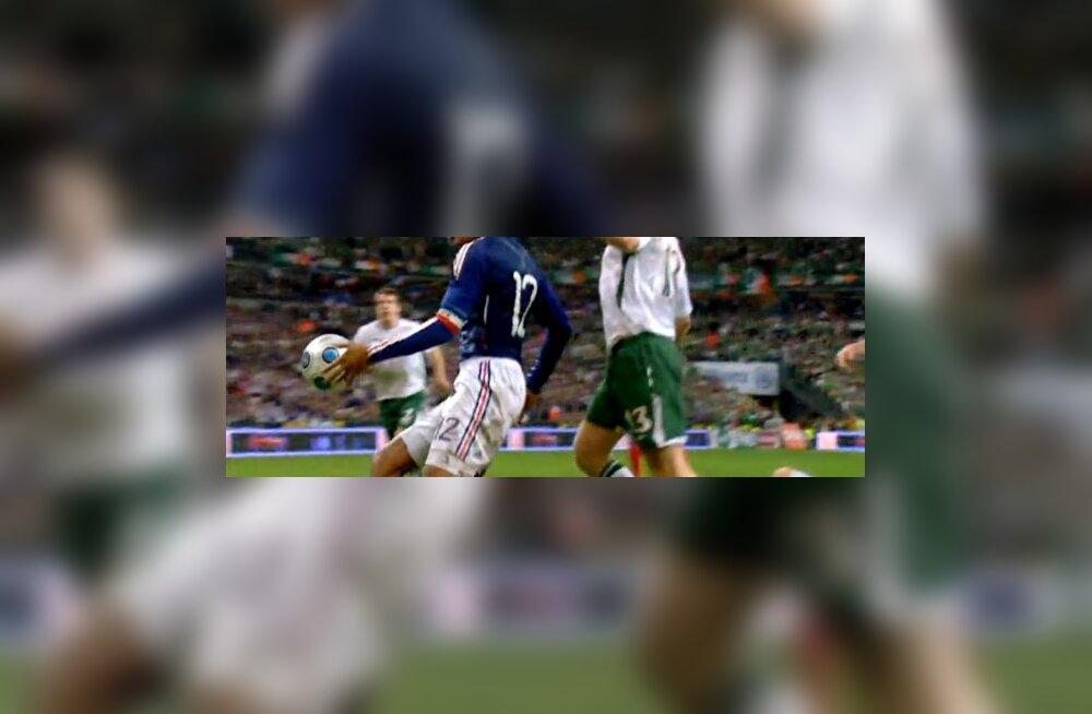 Thierry Henry  mängib käega