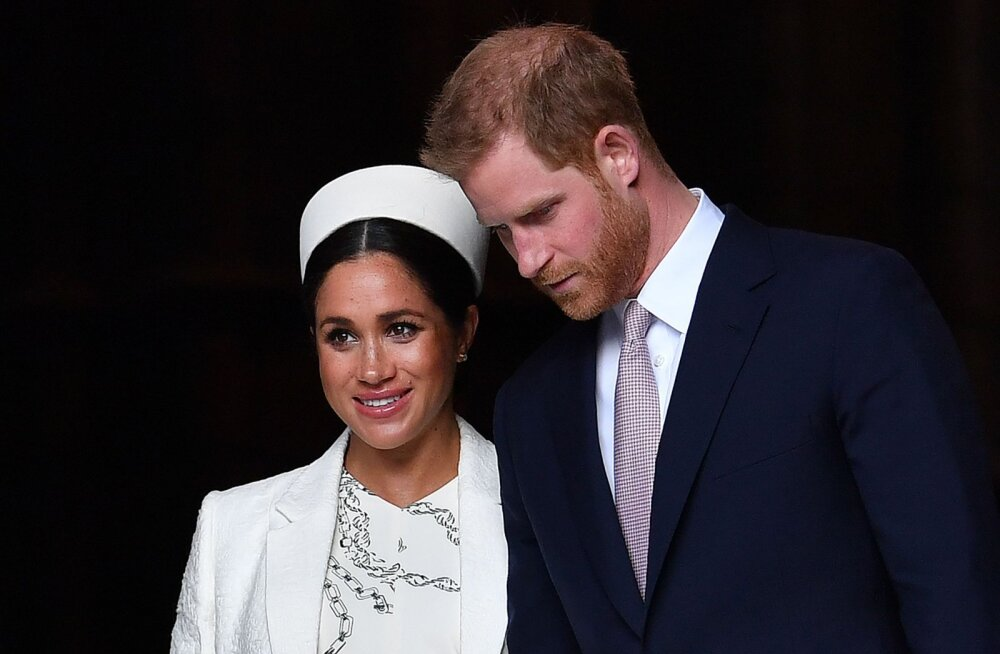 Ametnike õel nali? Veel sündimata kuningliku beebi fännid on paanikas, Harry ja Markle'i maja juures tiirutab kiirabi