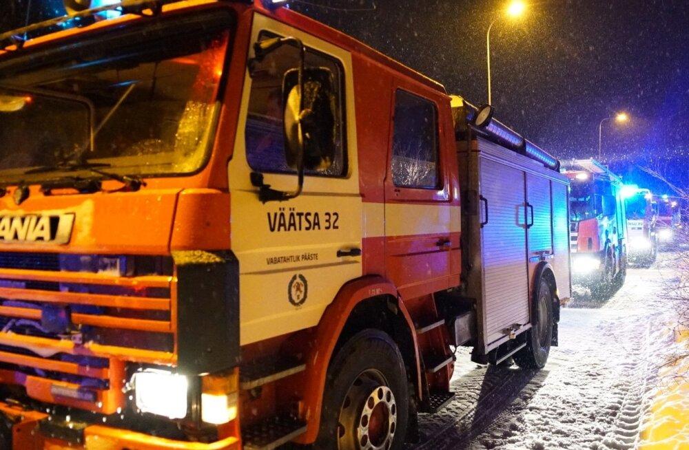 112 päeva puhul korraldatud päästetehnika ringsõit Türi vallas