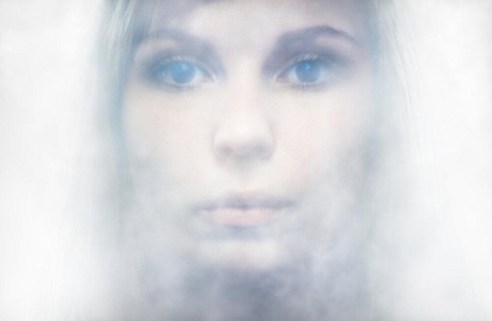 Ärevusega silmitsi: elamine udus ekseldes
