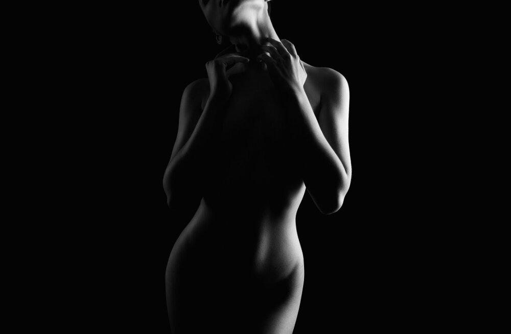 Müstilised mõtted ehk mida mehed <em>tegelikult</em> mõtlevad, kui enda ees alasti naist näevad?