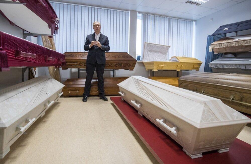 Tallinna Matusebüroo juhataja Toomas Daum ütleb, et 400 eurot kulutamata pole matust võimalik korraldada.