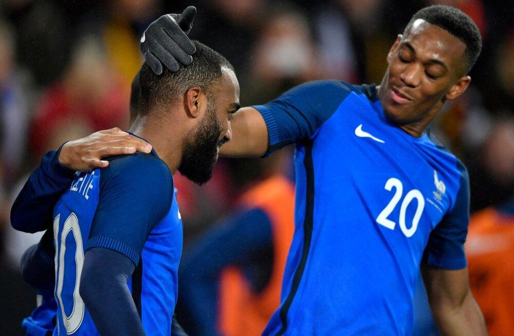 Alexandre Lacazette (vasakul) ja Anthony Martial jäid Prantsusmaa MM-koondisest välja.