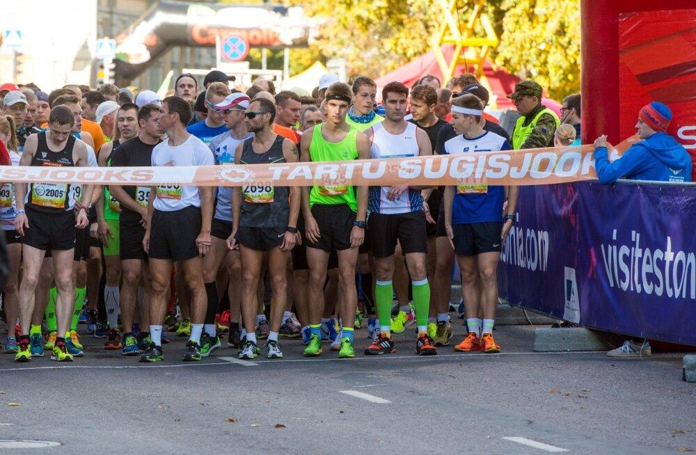 5. Tartu Linnamaraton; 10 km start ja finiš; autasustamine