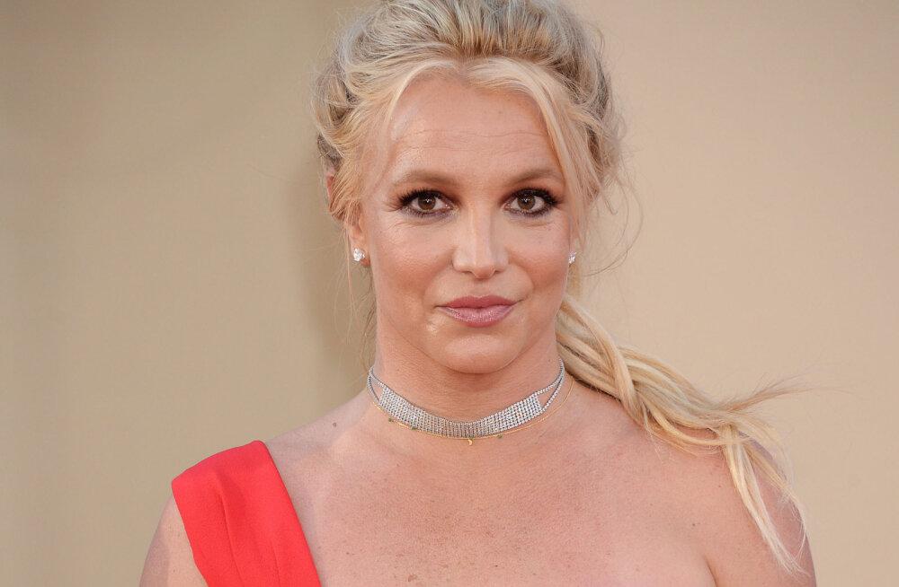 Britney Spears ajas fännid marru: tuhandeid maksnud iluasi pole kordagi kasutust leidnud