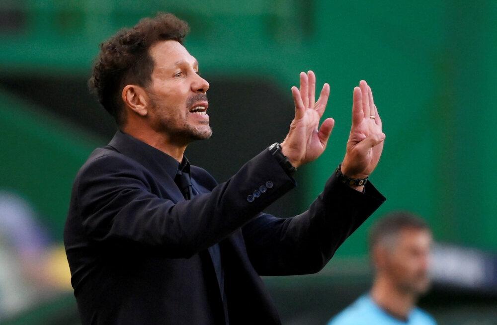 Atletico peatreener Diego Simeone nakatus koroonasse