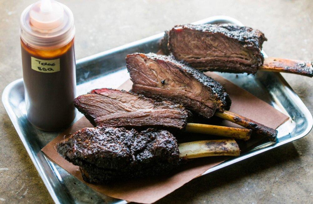 HÕRGUTISED MEESTELE | Texase veiseliha-tšilli, maisileib ja šokolaadiküpsised tumeda õllega