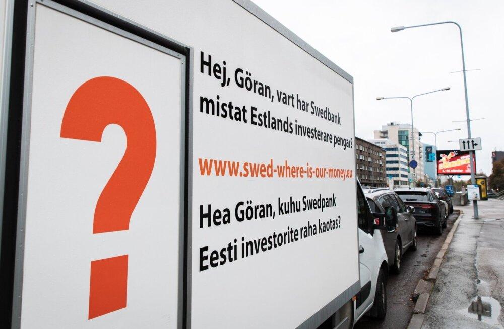 Göran Perssoni pressikonverentsi ajal Eestis oli Swedbanki peamaja ees kaubik küsimusega Rumeenias kaotatud raha kohta.