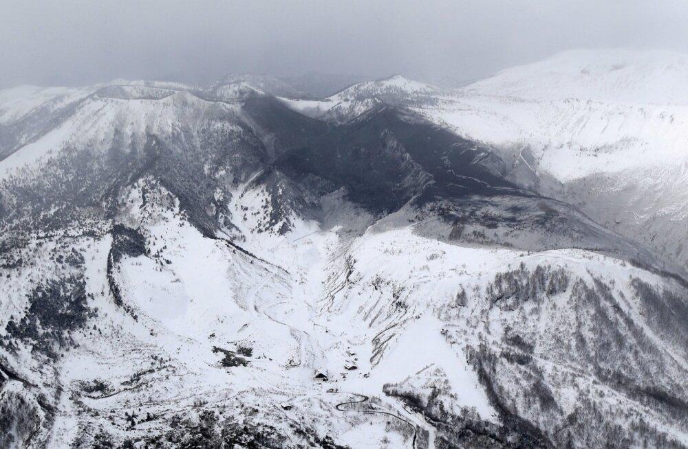 Jaapani suusakuurordis tappis laviin pärast vulkaanipurset ühe inimese