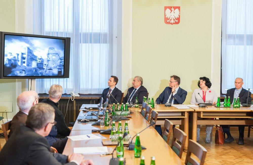 Poola valitseva erakonna esindaja sõnul võlgneb Saksamaa Poolale Teise maailmasõja reparatsioonidena üle 850 miljardi dollari