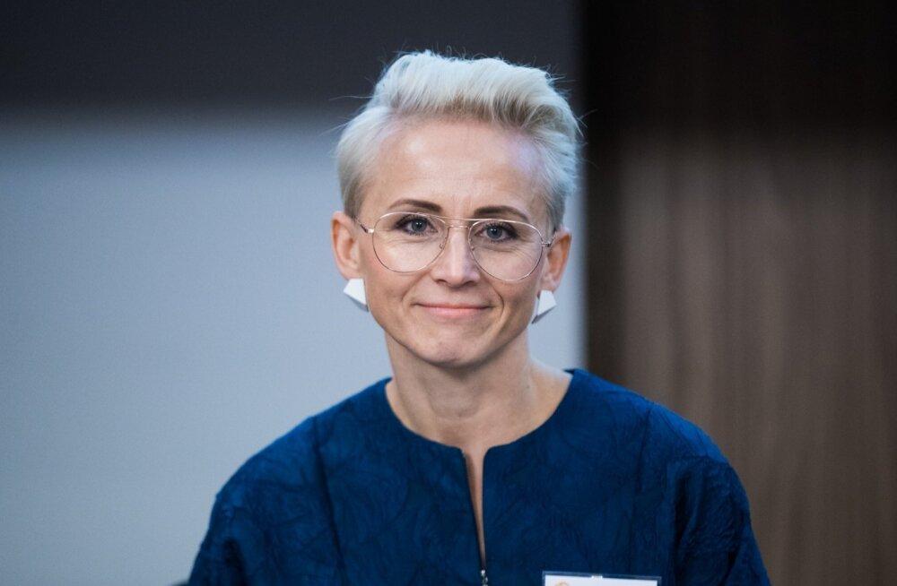 """Signe Ventsel rahvusvahelisel konverentsil """"Naised igast ilmakaarest"""" esinemas."""