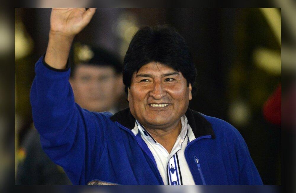 Kolmandat korda Boliivia presidendiks valitud Evo Morales pühendas võidu Fidel Castrole ja Hugo Chávezile