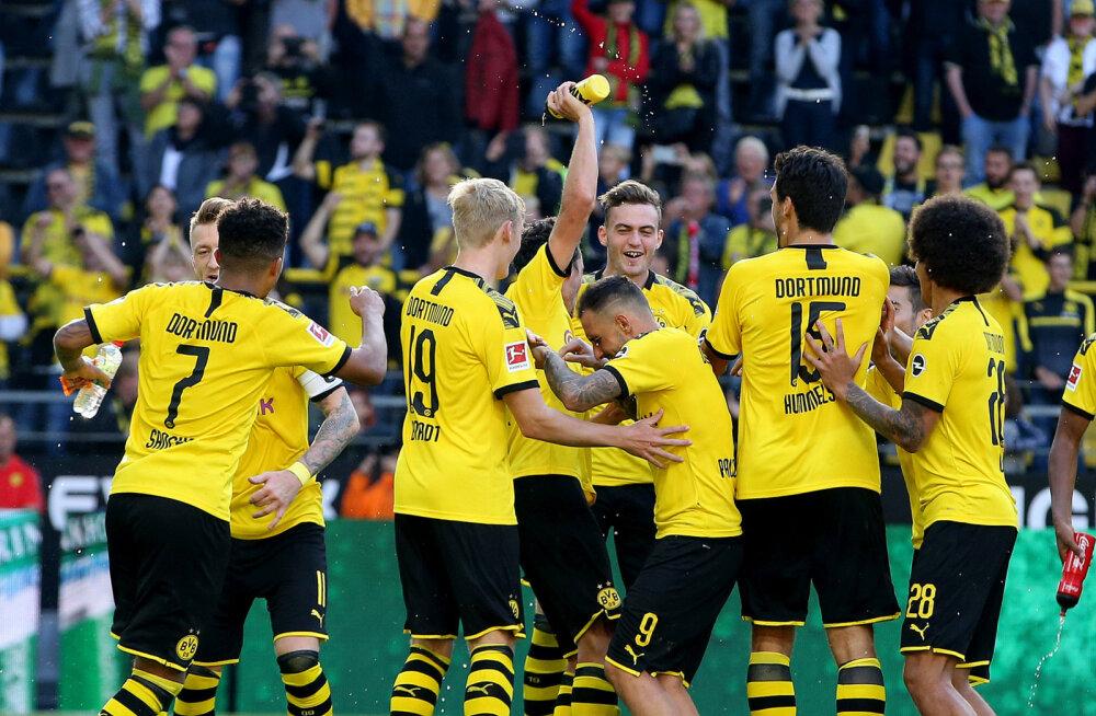 Müncheni Bayern loovutas punkte, Dortmund sai suureskoorilise võidu