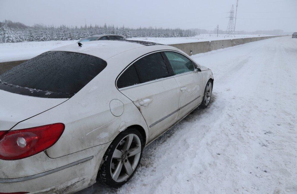 FOTO | Politsei otsib Rae vallas juhtunud liiklusõnnetuse pealtnägijaid